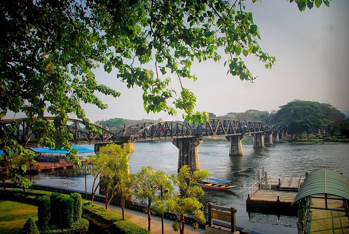 สะพานข้ามแม่น้ำแคว-คุณ-ร้านบ้านรถตู้กาแฟ-แม่สะเรียง-แม่ฮ่องสอน